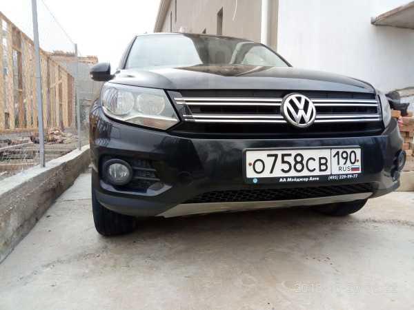 Volkswagen Tiguan, 2011 год, 770 000 руб.