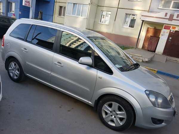 Opel Zafira, 2013 год, 650 000 руб.