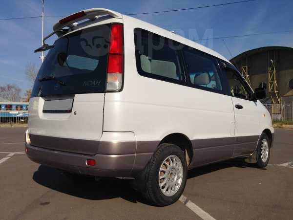 Toyota Town Ace Noah, 1999 год, 550 000 руб.