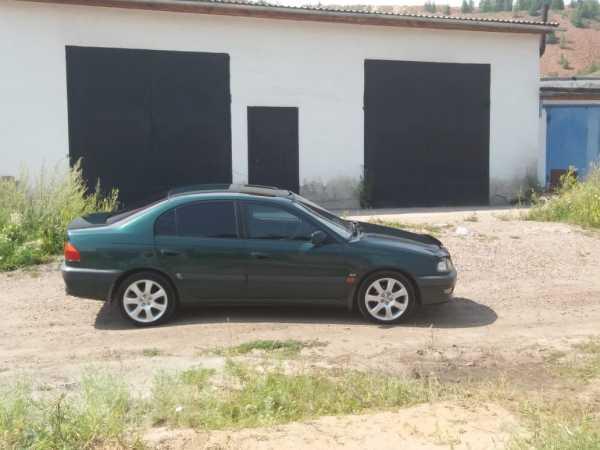 Toyota Avensis, 1998 год, 280 000 руб.