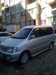 Toyota Town Ace Noah, 2001 год, 390 000 руб.