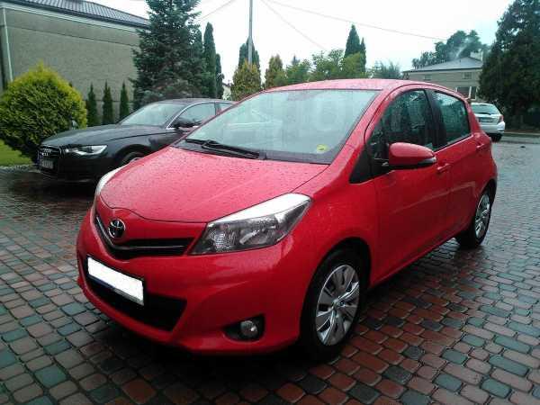 Toyota Yaris, 2014 год, 649 000 руб.