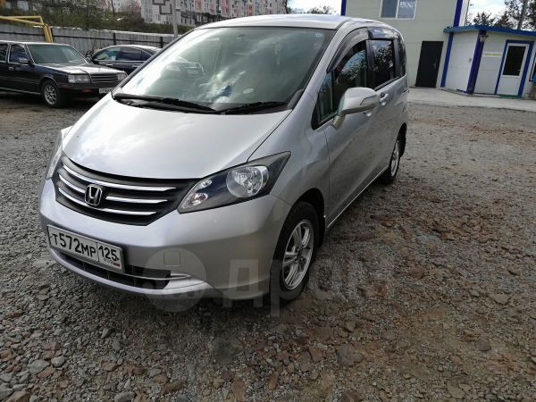 Honda Freed, 2010 год, 560 000 руб.