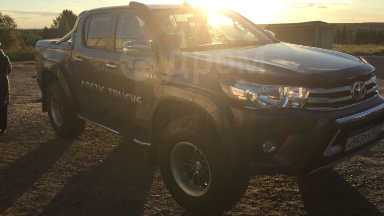 Toyota Hilux Surf, 2016 год, 3 100 000 руб.