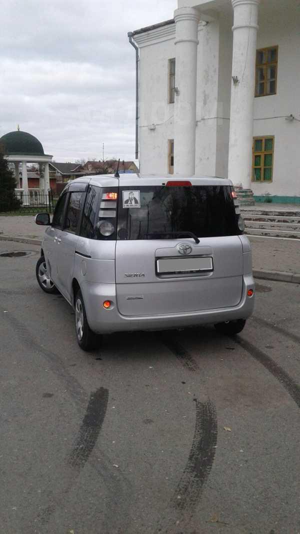Toyota Sienta, 2007 год, 420 000 руб.