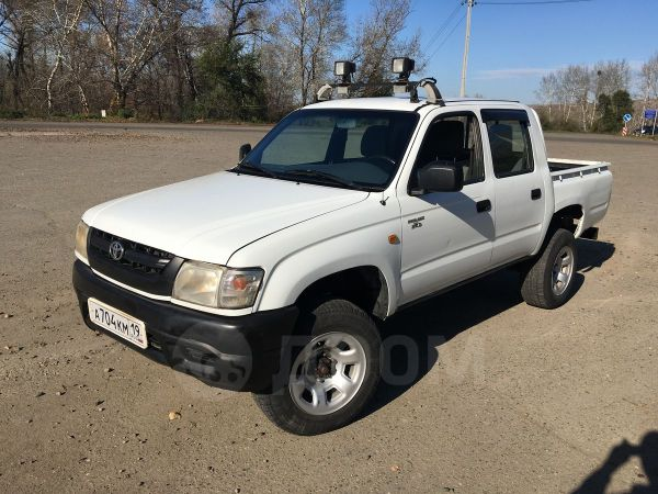 Toyota Hilux Pick Up, 2003 год, 750 000 руб.