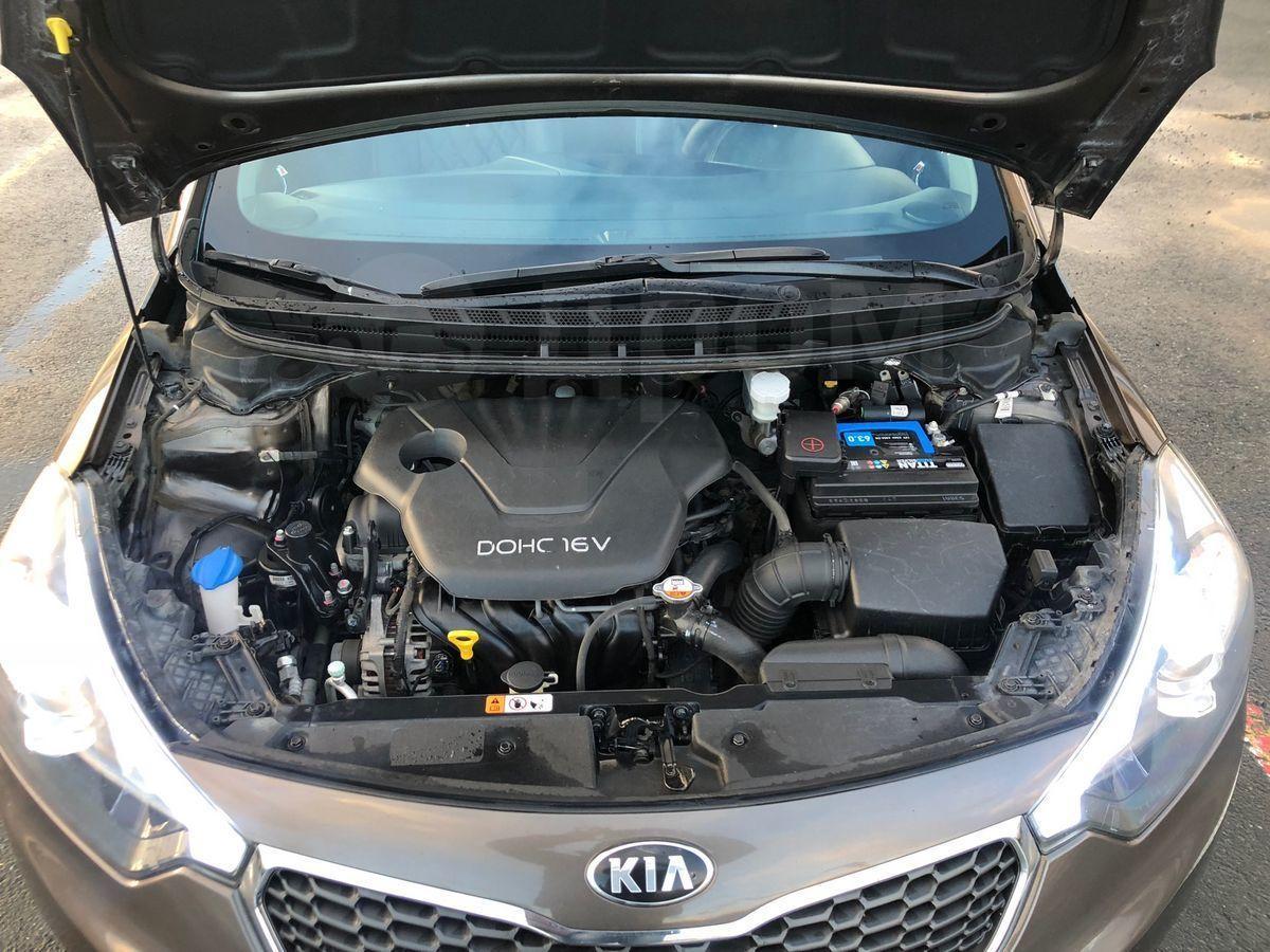2013 Kia Cerato Under Hood 720 000