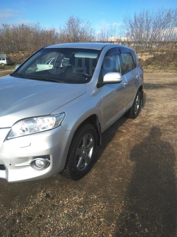 Toyota RAV4, 2011 год, 928 000 руб.