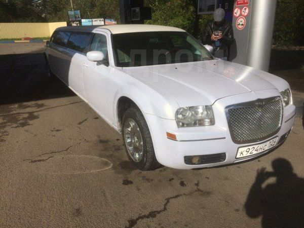 Chrysler 300C, 2004 год, 810 000 руб.