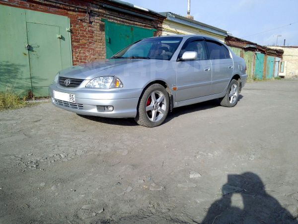 Toyota Avensis, 2002 год, 235 000 руб.