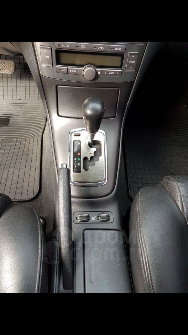 Toyota Avensis, 2005 год, 550 000 руб.