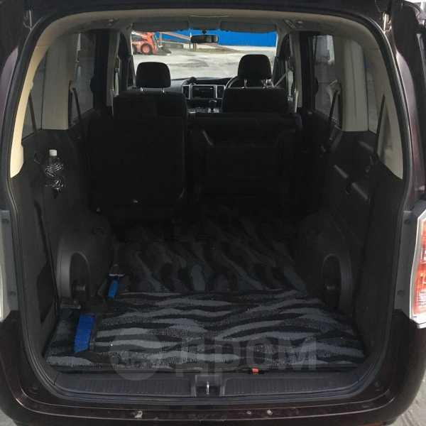 Honda Stepwgn, 2010 год, 858 000 руб.