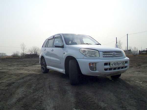 Toyota RAV4, 2003 год, 560 000 руб.