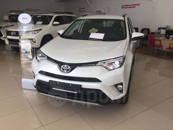 Toyota RAV4, 2018 год, 1 931 500 руб.