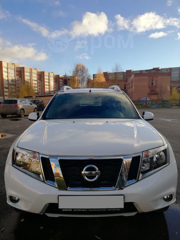 Nissan Terrano, 2015 год, 680 000 руб.