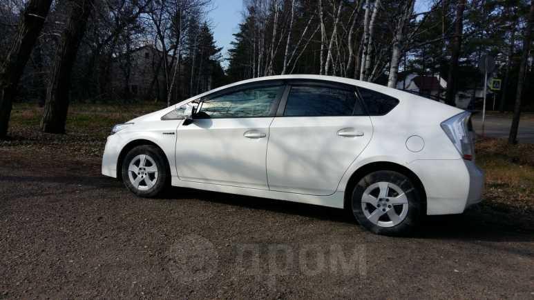 Toyota Prius, 2011 год, 740 000 руб.