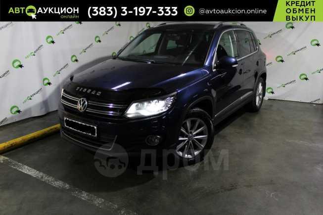 Volkswagen Tiguan, 2012 год, 915 000 руб.