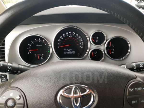 Toyota Sequoia, 2008 год, 1 900 000 руб.