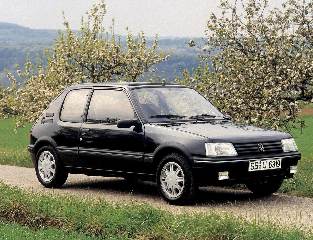 Комплектации Peugeot 205 хэтчбек
