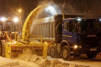 По прогнозам синоптиков, осадки продолжатся. Уборку снега будут производить не только по ночам, но и днем.