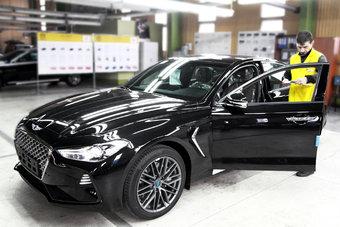 G70 был последней из трех моделей Genesis, сборку которой не освоили в России.