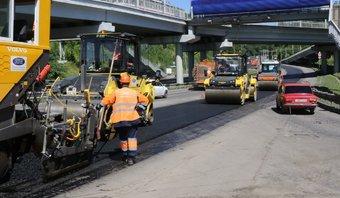 За этот год в городе и пригородной зоне отремонтировали 79,46 км дорог.