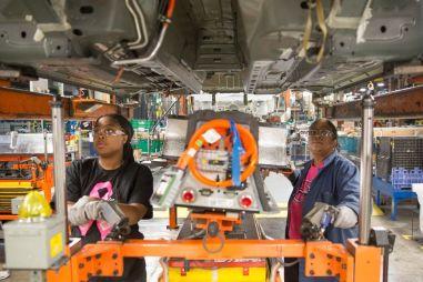 General Motors в 2019 году закроет семь своих заводов