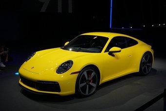 Продажи Porsche 911 поколения 992 начнутся в середине 2019 года.