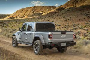 В Лос-Анджелесе дебютировал пикап на базе Jeep Wrangler