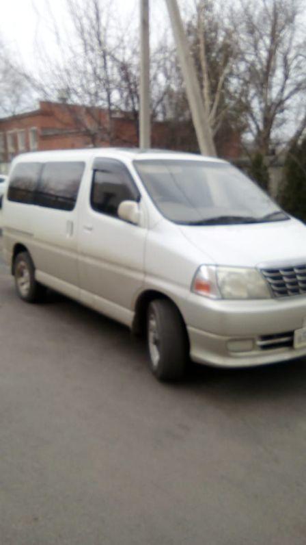 Toyota Grand Hiace 2002 - отзыв владельца