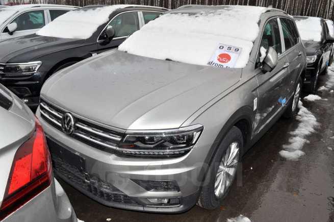 Volkswagen Tiguan, 2018 год, 1 880 600 руб.