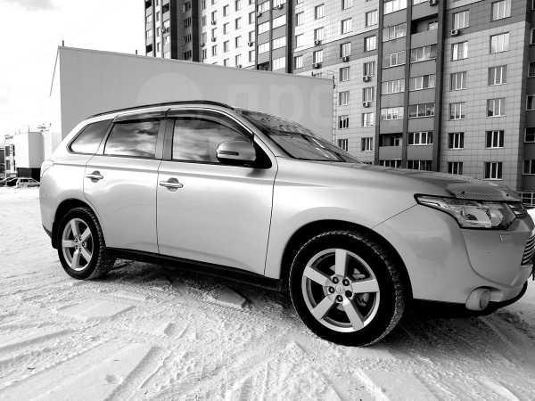 Mitsubishi Outlander, 2012 год, 1 100 000 руб.