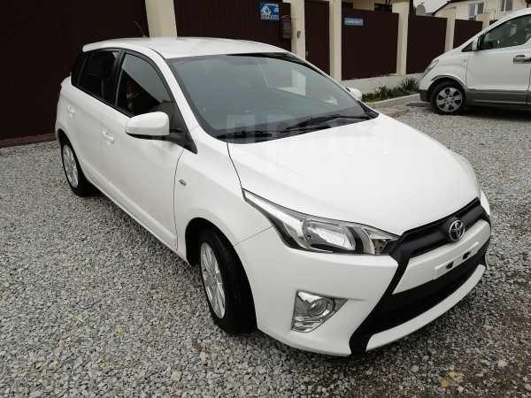 Toyota Yaris, 2015 год, 879 999 руб.