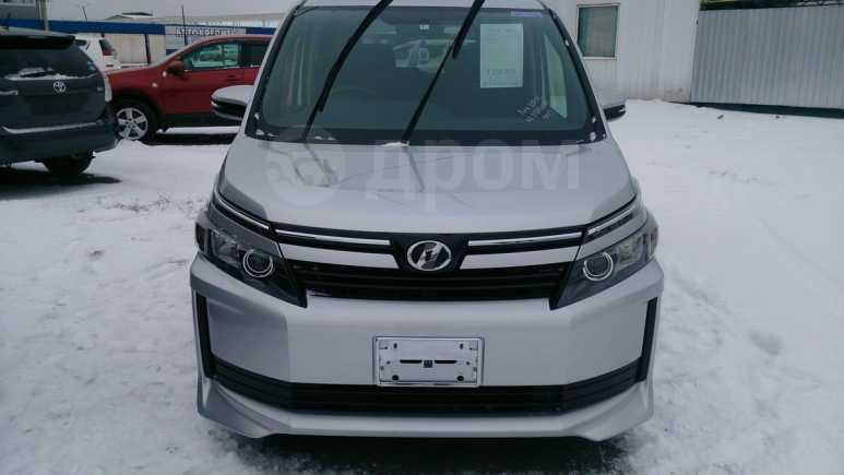 Toyota Voxy, 2015 год, 1 255 000 руб.