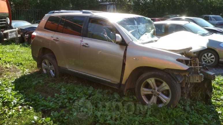 Toyota Highlander, 2012 год, 260 000 руб.