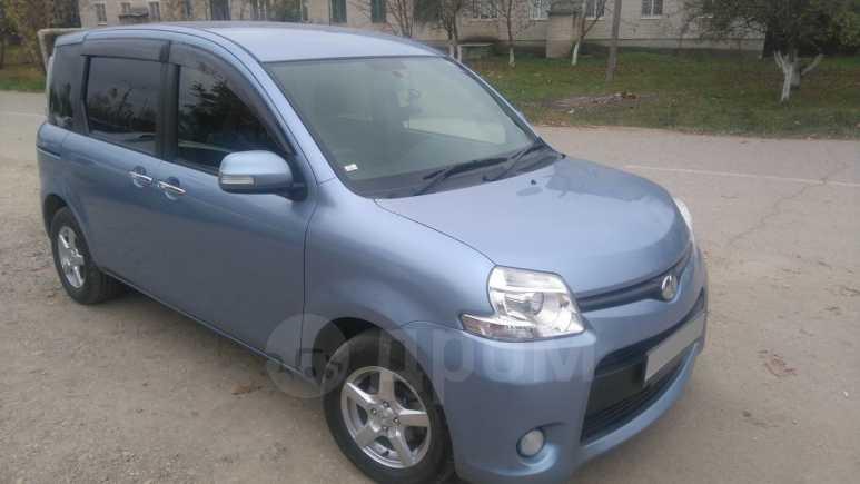 Toyota Sienta, 2013 год, 690 000 руб.