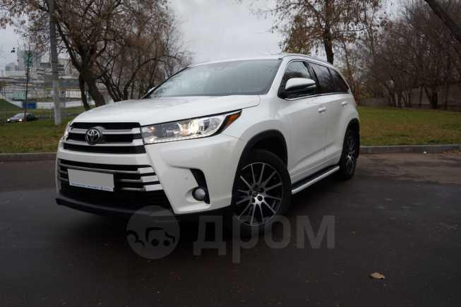 Toyota Highlander, 2017 год, 2 940 000 руб.