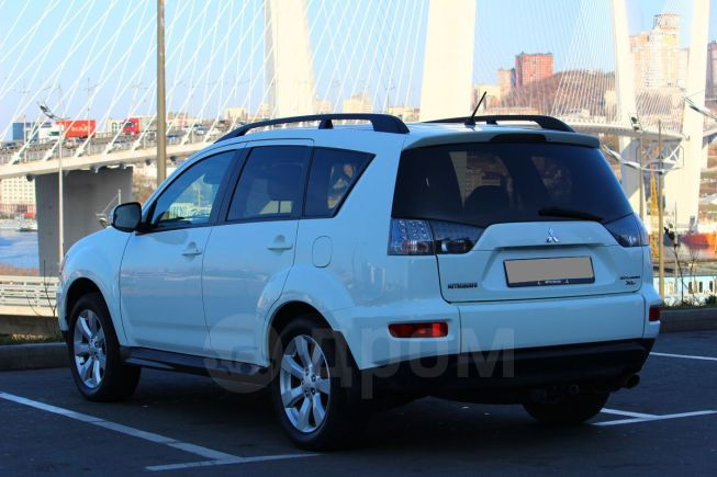 Mitsubishi Outlander, 2011 год, 889 000 руб.