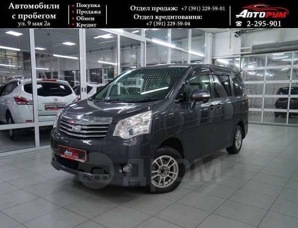 Toyota Noah, 2010 год, 837 000 руб.