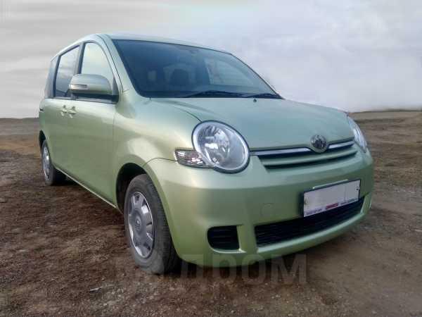 Toyota Sienta, 2010 год, 460 000 руб.