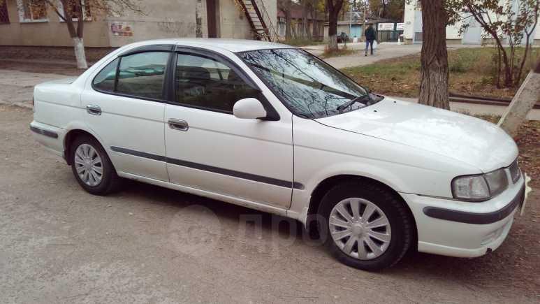 Nissan Sunny, 2001 год, 129 999 руб.