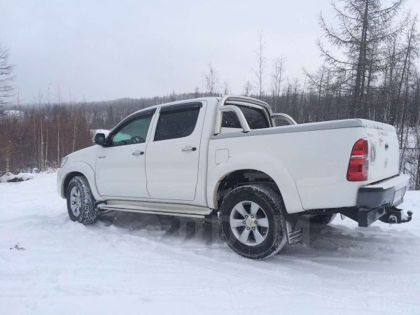 Toyota Hilux Pick Up, 2013 год, 1 590 000 руб.