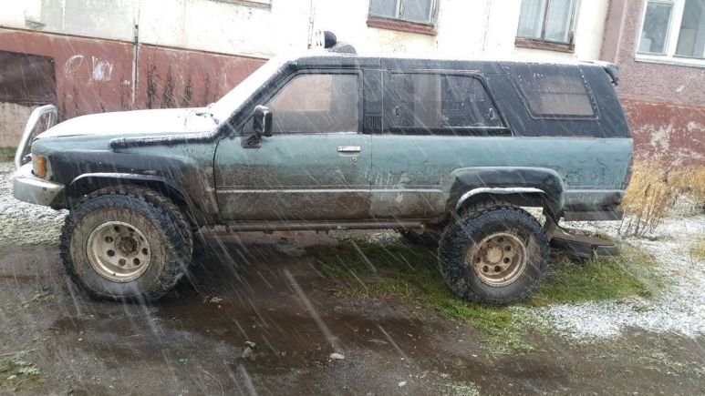 Toyota Hilux Surf, 1988 год, 100 000 руб.