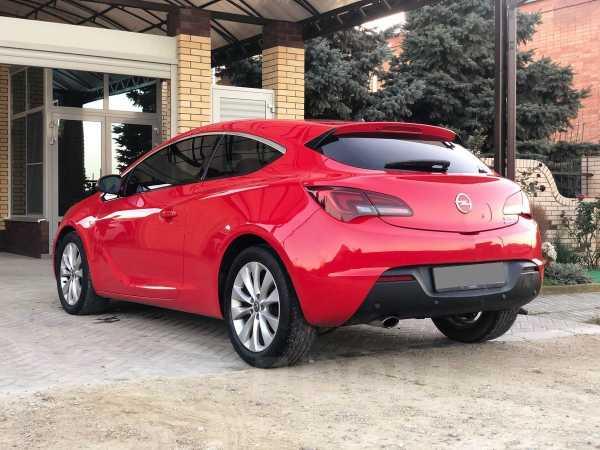 Opel Astra GTC, 2013 год, 500 000 руб.