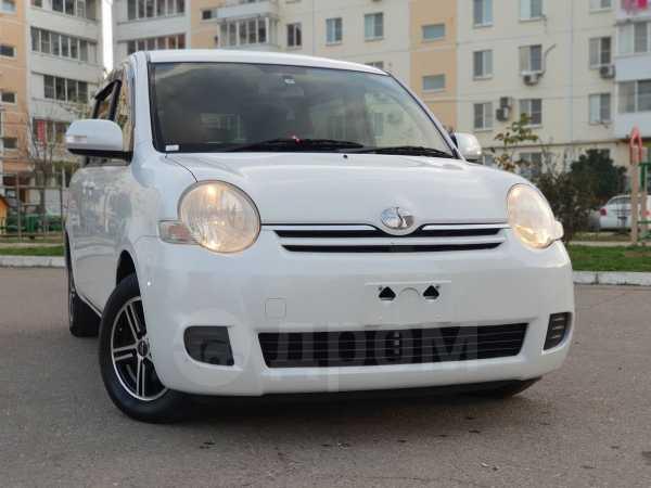 Toyota Sienta, 2015 год, 697 000 руб.