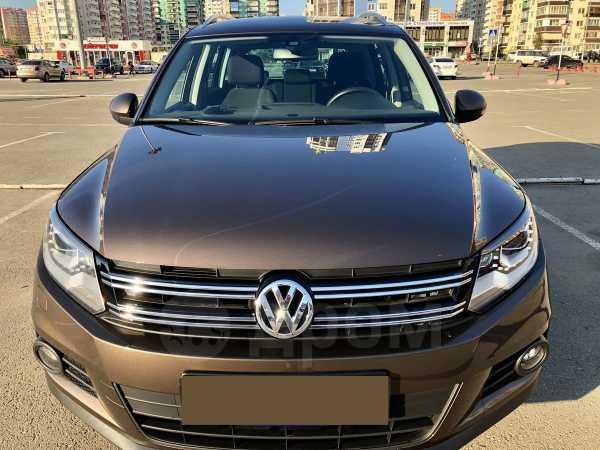 Volkswagen Tiguan, 2015 год, 1 065 000 руб.
