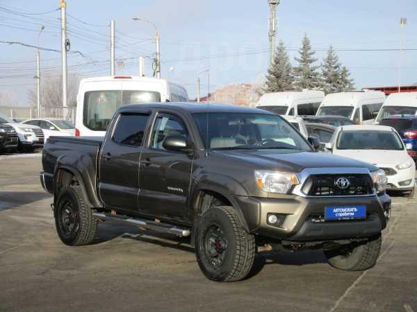 Toyota Tacoma, 2014 год, 2 240 000 руб.