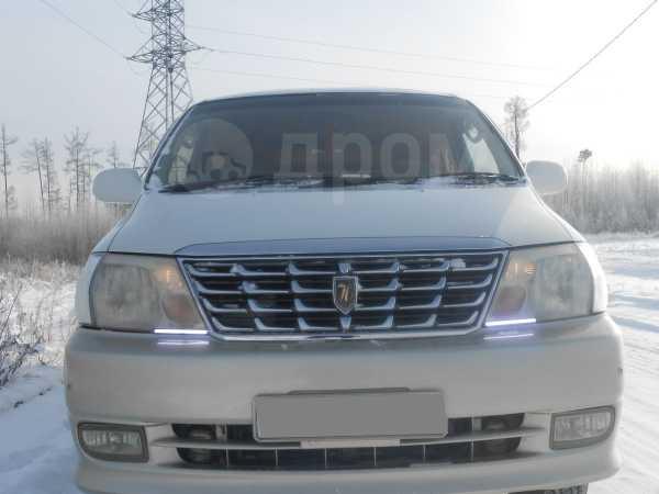 Toyota Grand Hiace, 2001 год, 647 000 руб.