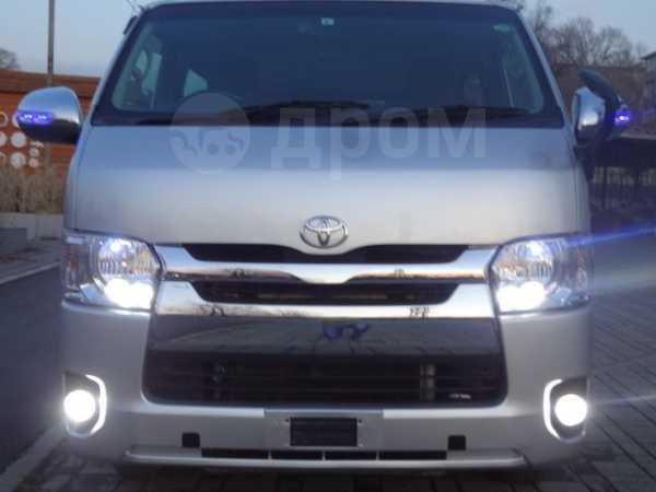 Toyota Hiace, 2014 год, 1 690 000 руб.