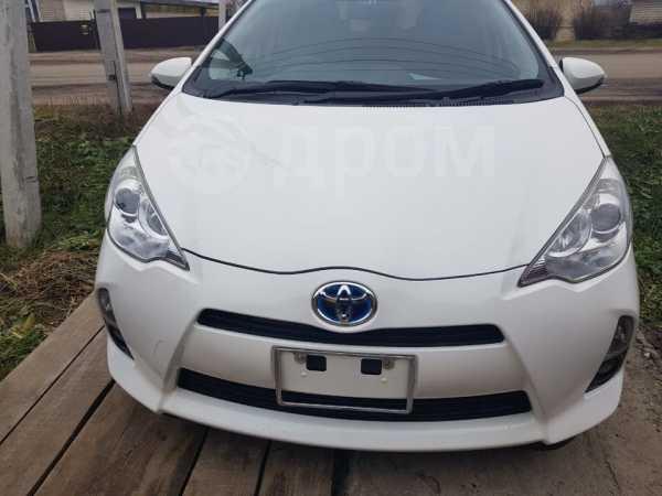 Toyota Aqua, 2013 год, 658 000 руб.